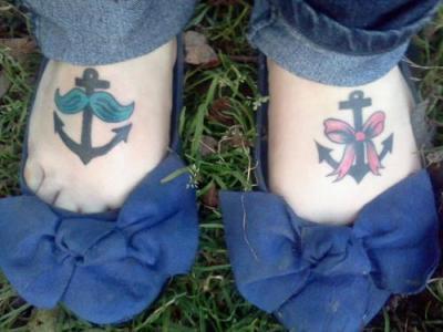 Tatuajes de anclas para mujeres