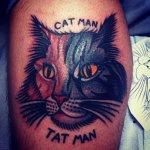 Tatuaje de gato bicolor