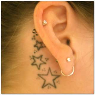 significado tatuaje de estrellas pequeñas