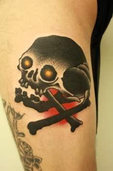 Black skull by Chriss Dettmer