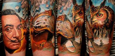 tatuaje salvador dali y relojes derritiéndose