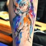 Tatuaje buho estilo acuarela