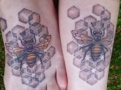 Tatuaje abejas para enamorados