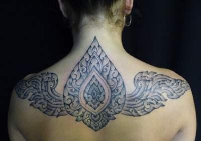 Mandala en la espalda