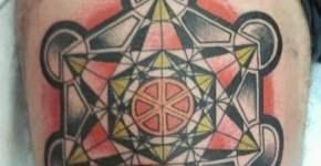 Tatuaje hexagonal