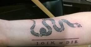 Tatuaje serpiente troceada