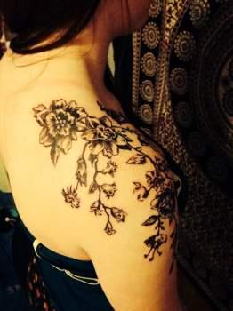 Tatuaje De Flores En El Hombro Tatuajesxd