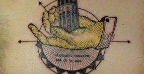 Tatuaje torre gótica