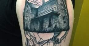 Tatuaje casa en el bosque