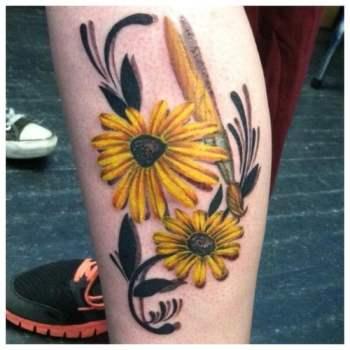 tatuaje margaritas amarillas
