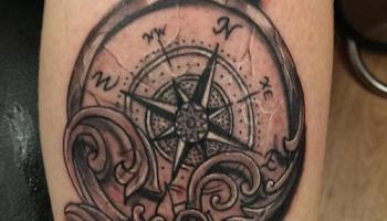 Tatuaje De Brújula En El Brazo Tatuajesxd