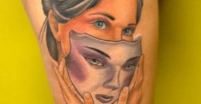 Tatuaje mujer máscara