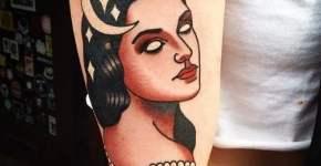 Tatuaje mujer pelo negro