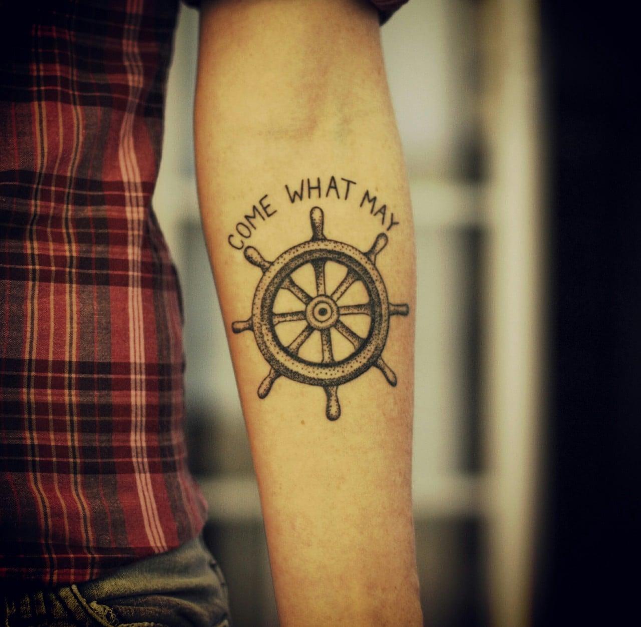 Tatuaje De Timón De Barco Tatuajesxd