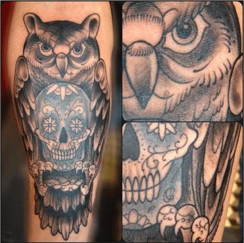 Tatuaje buho en la pierna