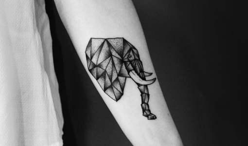 Tatuaje elefante poligonal
