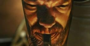 Tatuaje hombre fumando en pipa