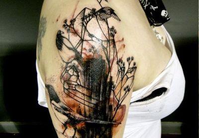Tatuaje urracas en las rocas