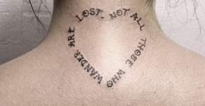 Tatuaje texto de El Señor de los Anillos