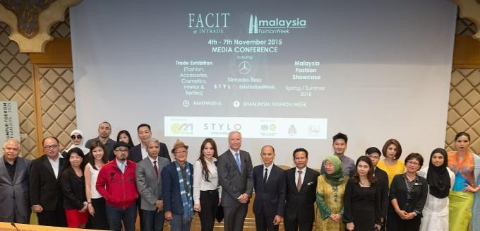 L to R Datuk Nancy Yeoh, Mr Roland Folger, Datuk Prof Jimmy Choo, Dato' Dzulkifli Mahmud, Datuk Normah Malik, partners, sponsors, designers' associations & designers