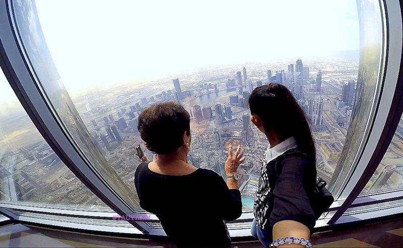 at the top, burj khalifa, dubai blogger