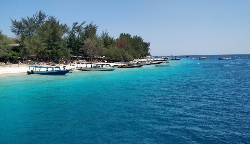 Top 10 unexplored Islands, gili trawangan, dubai blogger, travel blogger, dubai travel blogger, tauyanm, jane fashion travels