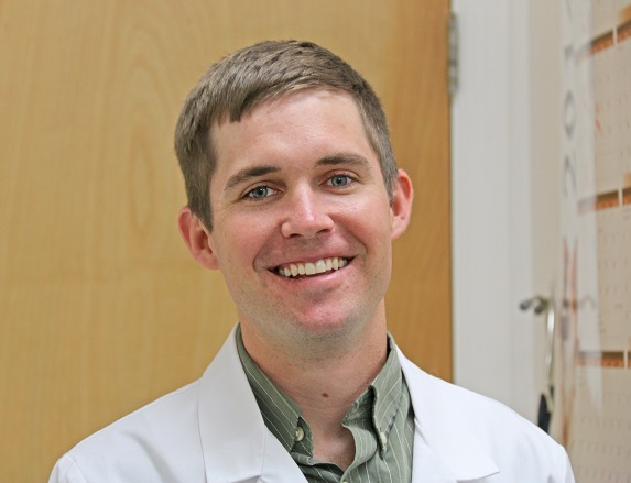 Dr. Joshua Huffines of Tavares Animal Hospital