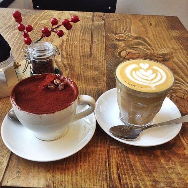 Faro - Tiramisù e caffè latte