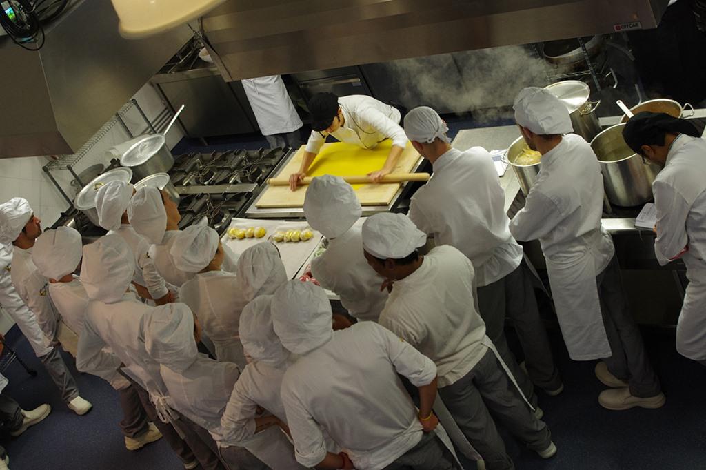 A Tavola con lo Chef, scuola di cucina a Roma: domenica 18 febbraio l'Open Day - Impara, Prepara, Sorprendi