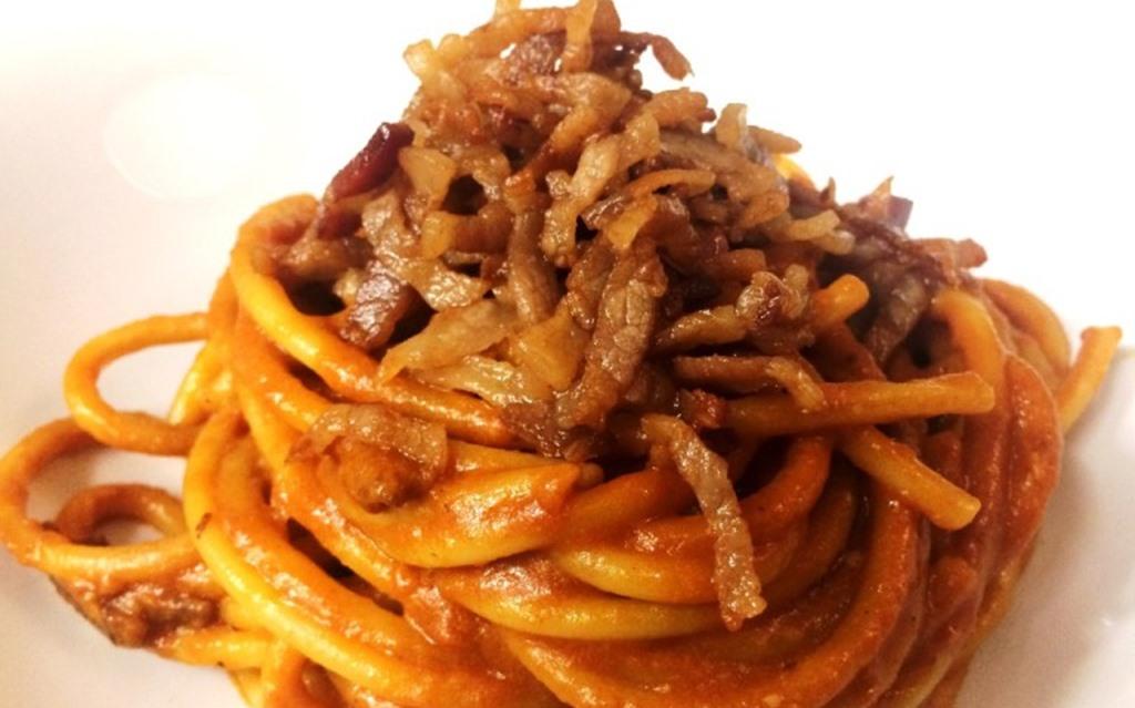 Cucina Romanesca: Pasta all'Amatriciana, tutto quello che c'è da sapere e dove mangiarla a Roma