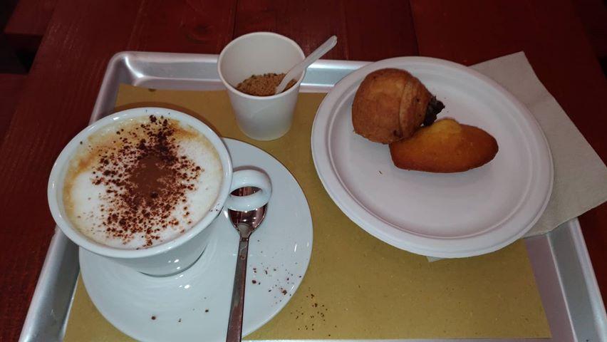 Naturale - madelaine e cappuccino