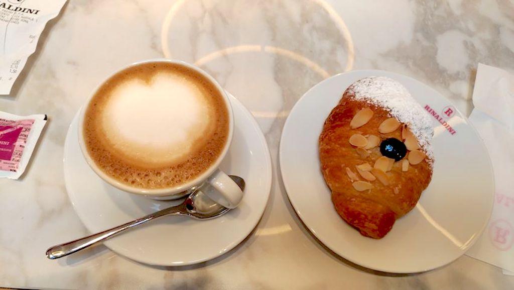 Rinaldini-cappuccino e cornetto 2