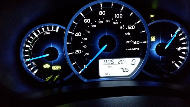 toyota-yaris-hybrid-70-mpg-review