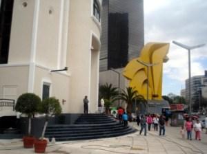 Estatua del Caballito, Loteria Nal.