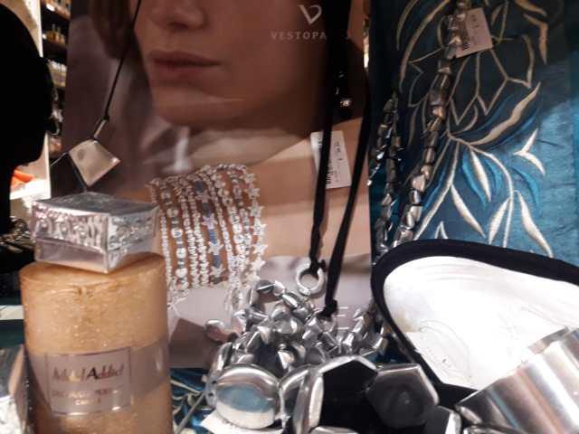 Bracciali, collane e orecchini di Vestopazzo
