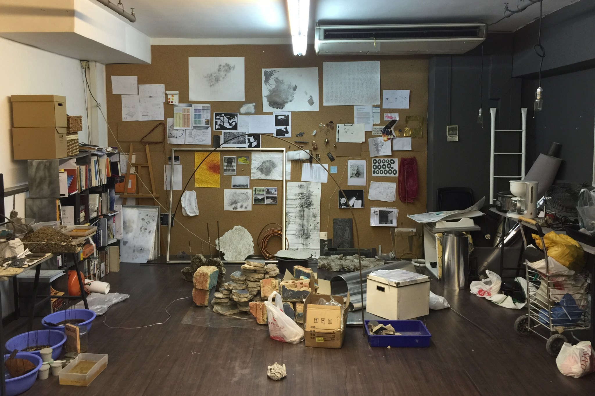 tay-ining-studio-wall