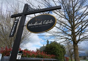 Woodbank Estate Bed and Breakfast Signage