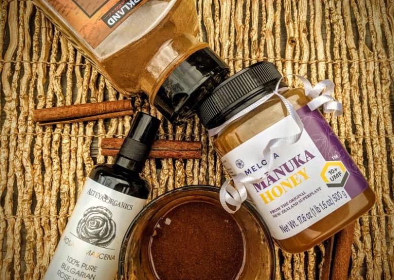DIY Manuka Honey Mask ingredients