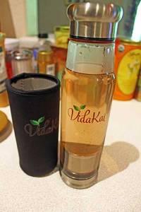 Vidakai Infuser Bottle for Loose Leaf Tea filled with Strawberry chai tea