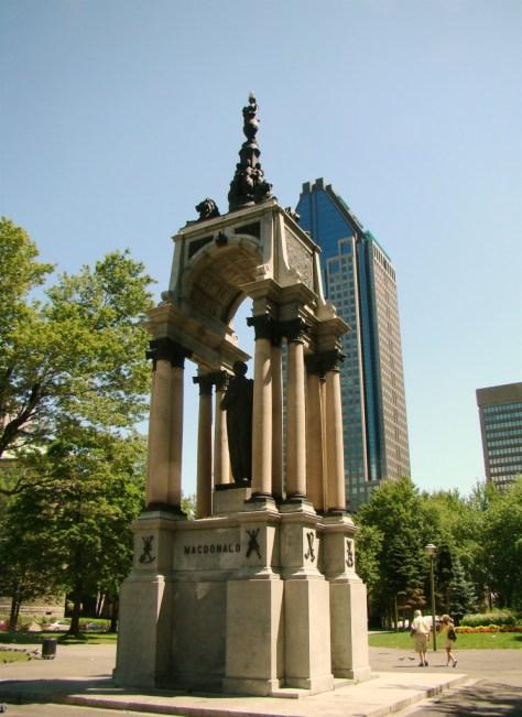 Macdonald Monument -Place du Canada