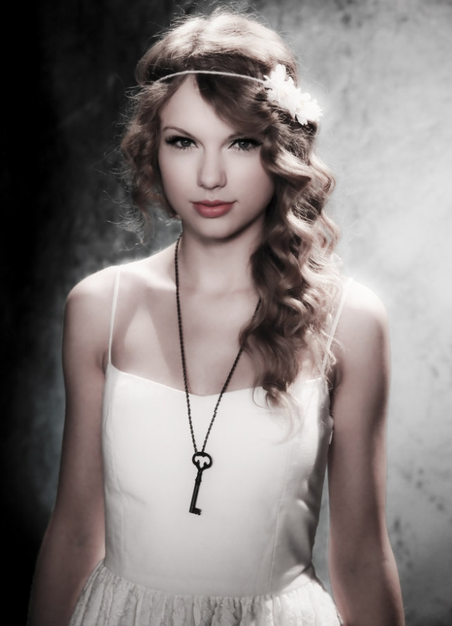 Taylor Swift Photoshoot For Journey To Fearless 2010 ...