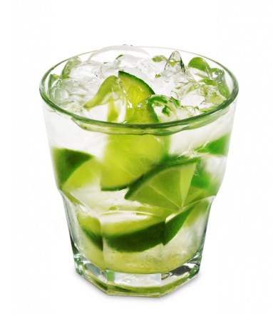 Cocktails served with lime