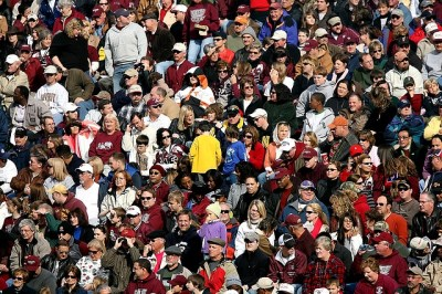 crowd-of-people-1488213_640