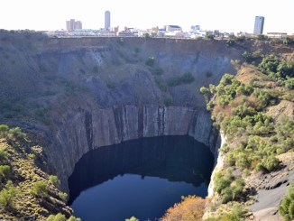 Kimberly, The Big Hole, Diamond Mine, Diamond Museum, Northern Cape, things to do, war memorial, MOTH memorial, army, war, travel, road trip, tazzdiscovers, family, travel, south africa