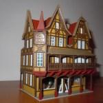 Das Gebäude der Spielzeugwarenmanufaktur ist fast fertig