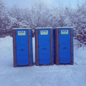 Portable-Toilets-in-Snow-1