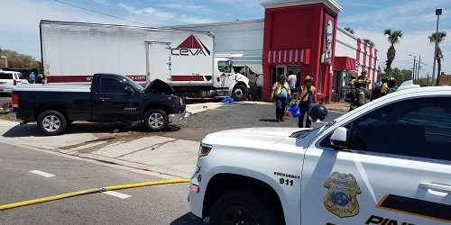 KFC Crash | PInellas Park Police | Traffic