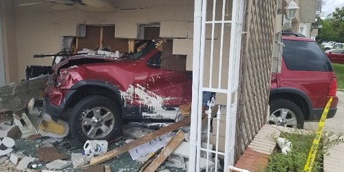 Driver Cited After Crashing into Pasco Home   Tampa Bay Reporter