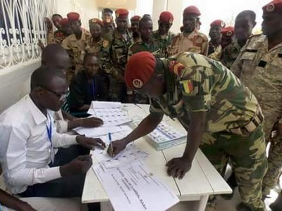 Vote des militaires  au Tchad_09.04.2016
