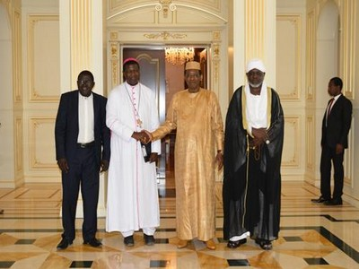 les-leaders-religieux-recus-par-idriss-deby_17-11-16